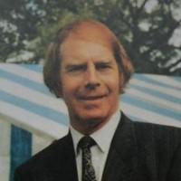 Andrew Hoyle