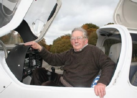 Charles Curry took a flight across the area for his 90th birthday. Picture by Michelle Ray, Advertiser and Times.