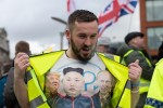 Pro-Brexit 'yellow vest' leader threatens daily photographer at rally