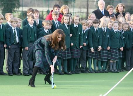Phillip_Cannings_-_Newbury_Weekly_News_-_Duchess_of_Cambridge_-_Pangbourne