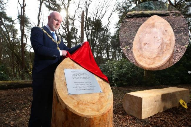 The unveiling of the plaque by Glasgow's Lord Provost Philip Braat