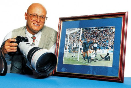 Neil with his picture of Leicester City's Steve Walsh after scoring at Wembley in 1994