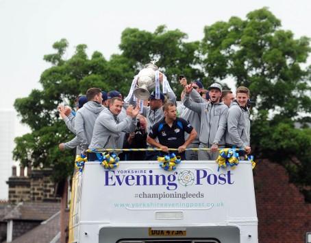 Leeds Rhinos players aboard the YEP bus