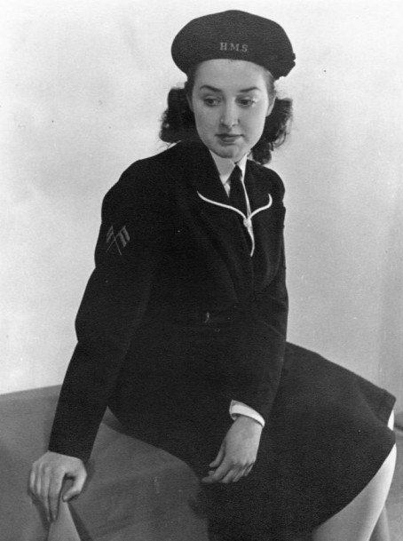 Marie Thomas in her wartime WRNS uniform